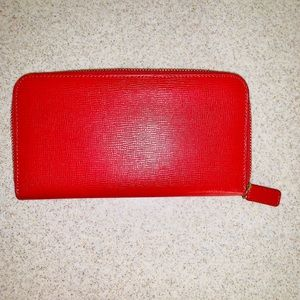 Talbots Women's Zippered Wallet
